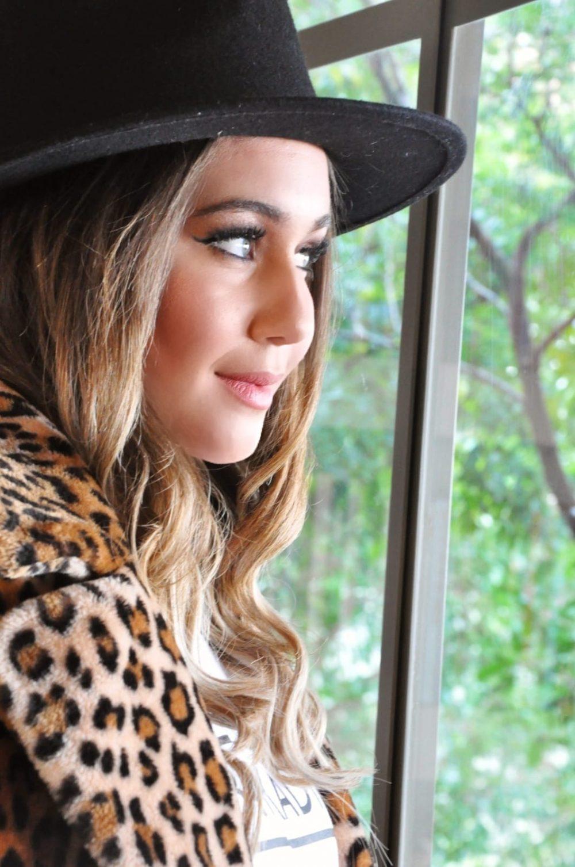 כובע פדורה שחור חגורה