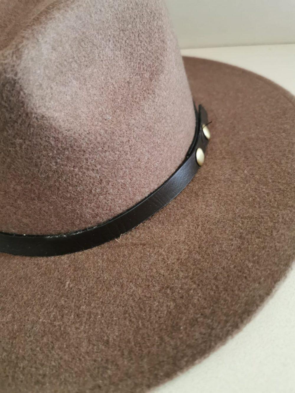 כובע פדורה כאמל
